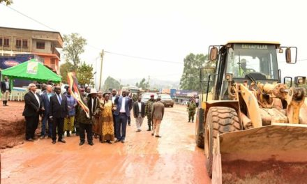President Museveni officiates the commissioning of Masaka-Bukakata Road